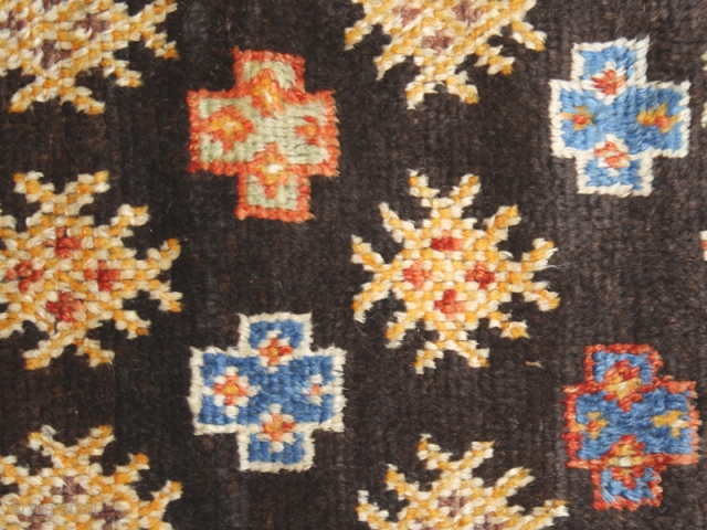 Pile carpet cod. 00163. One of the new items just posted on my website www.nonplusultra.cloud. Wool traditional dyes. Ait Ouaouzguite Berber tribes. High Atlas mountains. Morocco. Mid. 20th. century. Very good condition.  ...