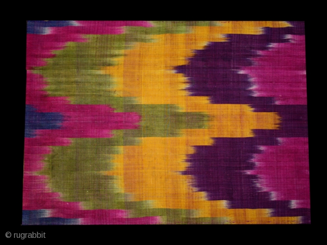 Ikat fragment cod. 0662 late 19/early 20th. century. Size cm. 46 x 69 (18 x 27 inches)