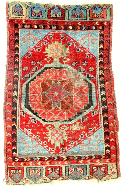 Classic c. 1850-70 Anatolian Karapinar yastik with bold drawing and great color including a clear, early aubergine. All original.