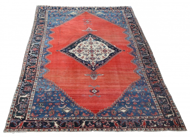 This large and rare antique persian rug will be sold on Onlineauction 19th of September at www.skanesauktionsverk.se