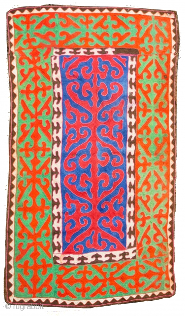 Rare Shyrdak - traditional yurt main tent rug from the steppes of Kirghistan circa 1950 Coveted collector's artifact Such shyrdaks are no longer made using painstaking felt processing methods. Today's Kirgisi felt rugs  ...