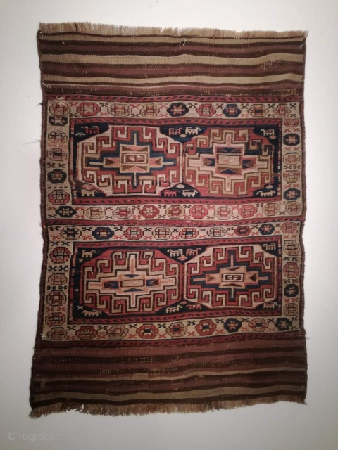 An antique Shasawan Sumak bag with 135/100 cm in good condition.