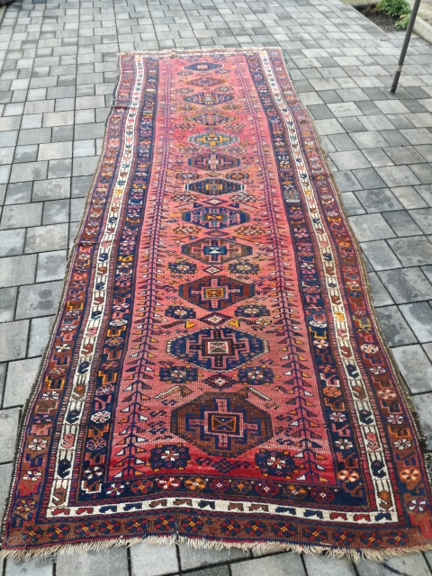 An antique Kelardasht with 400/140 cm. Signs of use.