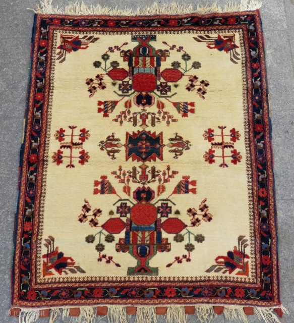 Antique Persian Avshar Rug Circa 1880-1890 Size.130x110 Cm