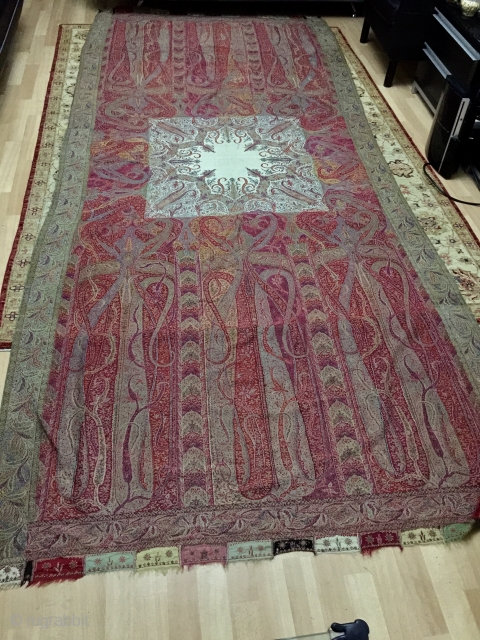 Exceptional Indian Kani shawl, hand embroidered in very good condition, nice colors and rare white center