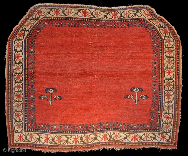 1437 Afshar horse trapping. 2'11 x 3'7 - 89 x 108. All natural colour and no restoration.