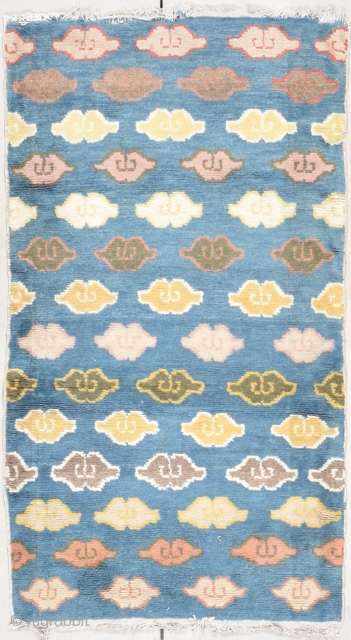 """#7792 Ningxia Rug  This third quarter 19th century Ningxia Antique Chinese Oriental Rug measures 2'6"""" X 4'8"""" (82 x 146 cm). This little baby Ningxia area rug is absolutely too cute! It has  ..."""