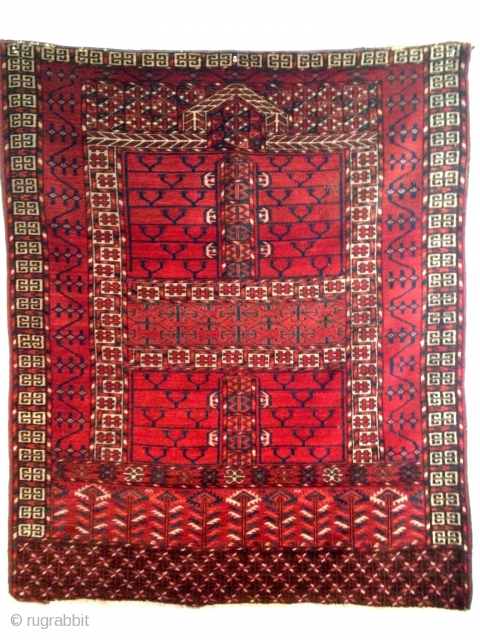 Tekke  Ensi with classic drawing and in great condition.