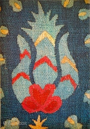 Embroidered Flowers from Thrace to Tartary. David Black Oriental Carpets, London, 1981. Paperback. Condition: Very Good. 8 x 12 Paperback in Very Good condition; Illustrated by 12 colour plates 13 black and  ...