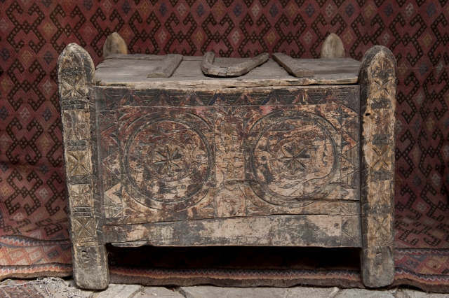 Kebezhe-chest for dry products, wood, carving, painting, Kazakhstan, XIX century