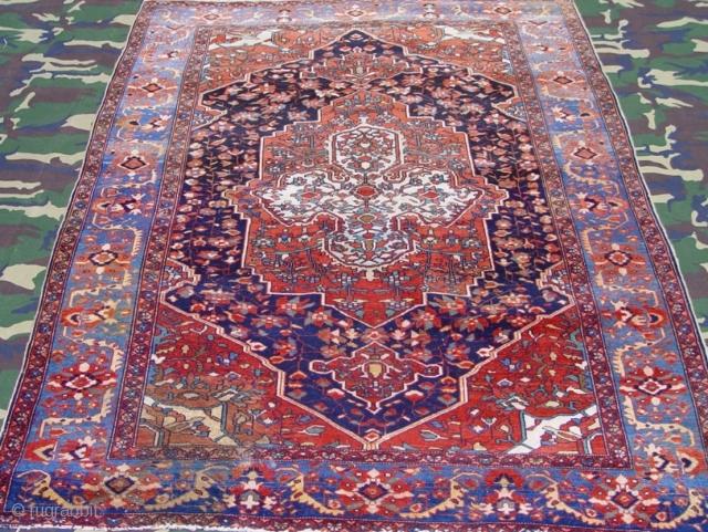"Antique Persian Malayer oriental rug, ca. 1900, 4'8"" x 6'4"" (143 x 193 cm)"