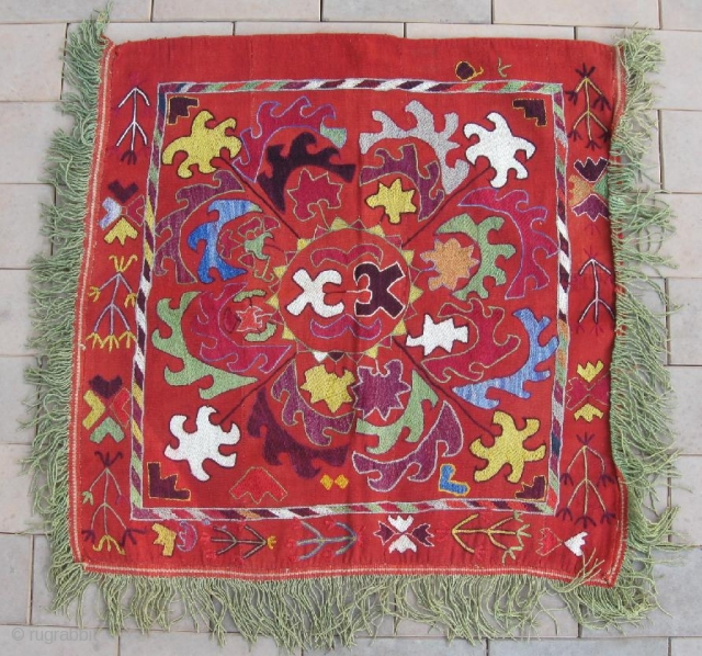 An Uzbek Kungrat or Lakai silk/wool embroidered on wool Ilgitsh hanging, dating between 1880-1900. Large size is 76-75 cm, 30-30 inches, without fringes. In excellent condition. Beautiful design and rich colours,  ...