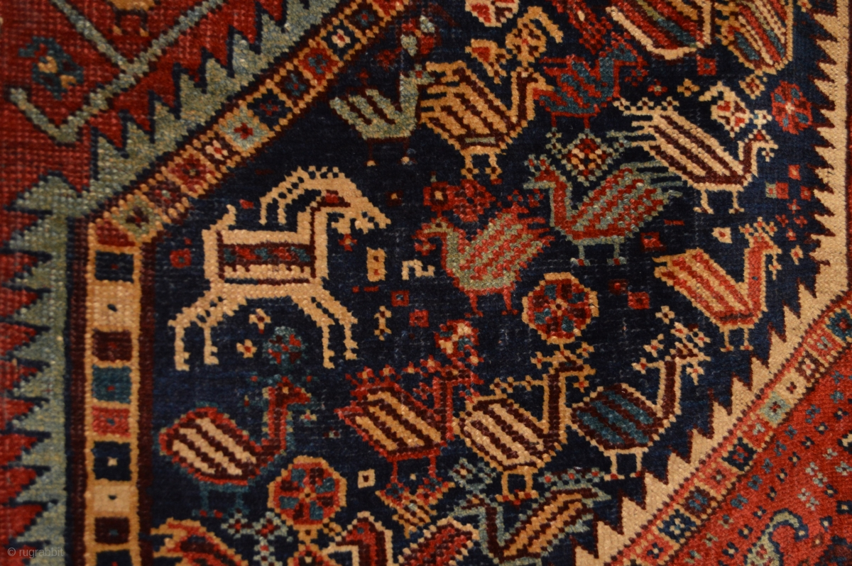Stunning Antique Khamseh Confederacy Rug Strong All
