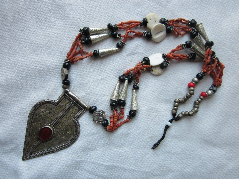 This auction is for highly sought after Tribal jewelry ...