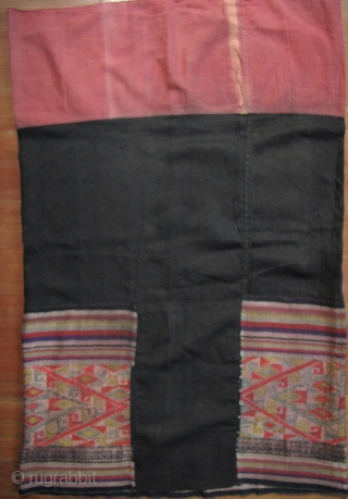 Tai Dam Skirt Lovely vintage wearable woman's dress from the Tai Dam ethnic group Vietnam. Made from all hand woven cotton cloth the, colorful silk embroidered wide bordered hem is particularly nice. Good  ...