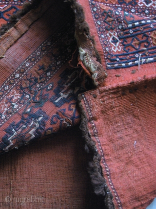 An excellent Antique Flat Weave Turkoman / Turkmen Chuval attributed to the Yomud / Yomut tribe. A lovely piece of woven art in a very good condition. Offered with a reasonable price.  ...