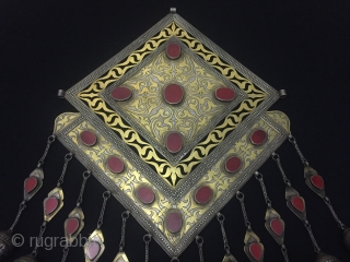 Central-Asia Turkmen-Tekke İskendery design Silver Necklace Gonchuk with fine cornalian and fine fire gilded Circa-1920-40 Fine condition ! Size : ''45cm x 27cm'' - Weight : 847 gr Thank you for visiting  ...