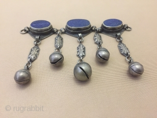 Central-Asia Afghanistan Lapis-Luzely ethnic tribal silver pendant on the stone writing (dua) İslamic Fine condition Circa-1900 Size : ''13cm x 9.5cm'' - Weight : 88 gr Thank you for visiting my rugrabbit  ...