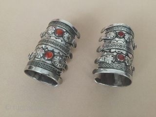 Central-Asia Turkmen-Yomud a pair of silver cuff bracelets. (Arm-band) original ethnic tribal jewelry Good condition ! Circa-1900 Size : ''8cm x 6cm'' - İnner circumference : 14cm - Weight : 273 gr  ...