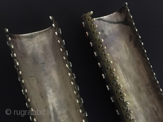 Central-Asia A pair of Rare Turkmen-Yomud ethnic traditional 15 (goshma) collector bracelets Fine gilded with cornalian original tribal jewelry Excellent condition ! Circa-1900 Size - Lenght : 37.5 cm - Big-with :  ...