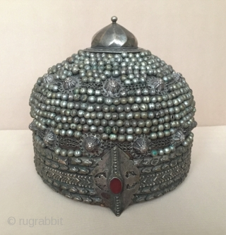 Central-Asia Rare ! Special Afghanistan traditional silver collector hat with leather Great condition ! Circa-1900 or earlier Size - Height : 17 cm - Circumference : 63.5 cm Thank you for visiting  ...
