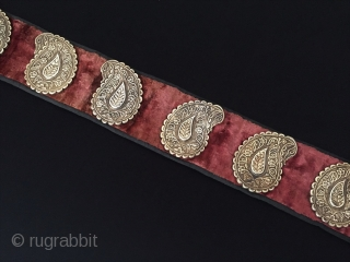 Central-Asia Rare ! Antique Turkmen-Yomud ethnic traditional tulip and flowers patterned silver belt fine fire gilded with velvet This is a collector unique silver belt original ethnic Turkmen art jewelry Great condition  ...