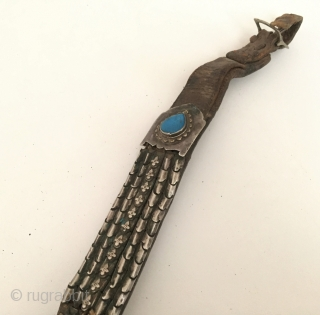 Central-Asia Antique Turkmen traditional silver horse cover with turquoise and old leather Circa - 1900 or earlier Size - Lenght : 130 cm - Width : 6 cm Thank you for visiting  ...