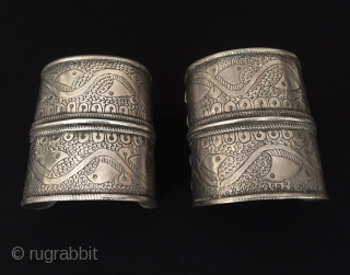 Central-Asia Afghan-Turkmen (Olam) A pair of ethnic tribal talismanic design silver bracelets arm-band Excellent condition ! Circa - 1900 Size - ''7.3 cm x 6.5 cm'' - Weight : 162 gr Thank  ...