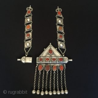 Central-Asia Turkmenistan-Ersary Antique Silver Necklace Tumar with cornalian a collection vintage tribe Necklace original ethnic turkmen jewelry Excellent condition Circa-1900 Height ''39'' - Width ''17.5''cm - Weight : 380gr Thank you for  ...