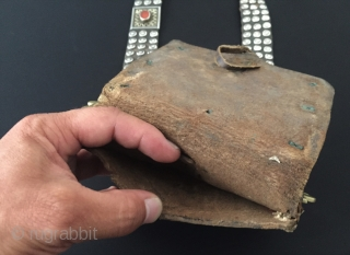 Central-Asia Antique A beautifull Turkmen İskendery design traditional silver bag - heikel very fine handcrafted fire gilded with cornalian and old leather This is Turkmen collector jewelry - jewellery Great and Excellent  ...