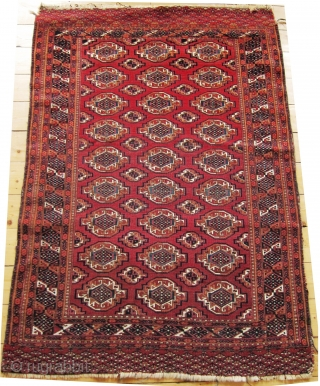 Late 19th century Saryk small Rug   Size 117 x 173cm  Overall good condition though selvedges at one side and ends need stabilising. Good natural colours with cotton whites and silk highlights.