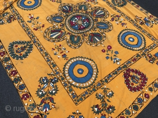 Beautiful Antique Central Asian Suzani. Excellent stitches and natural colours. Good condition. The size is: 180cm X 210cm. Fair price.