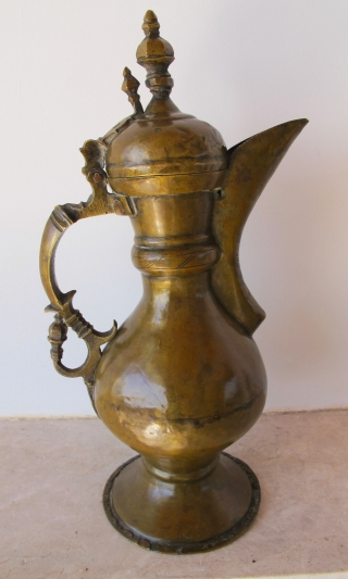 Brass Ewer. Environs of Bukhara. 19th C. H = 30 cms. Superb patina.