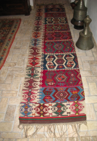 The Power of Colors! - Eastern Anatolia, Malatya area kilim strip. Cm 75x340.  2nd half 19th century. Wonderful dyes. Great ram horn pattern. Some minor condition issues.