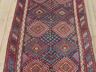 Good Antique Lori South West Persian Long rug. Good pile and great colours. 9 ft 9 inches x 5 ft 2 1/2 inches. 297 x 159 cm. SOLD