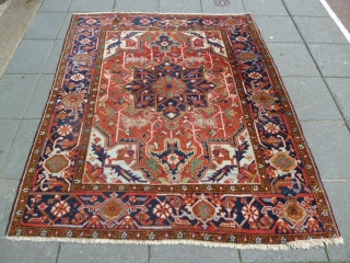 Small Square Heriz Rug. 190 x 159 Cm / 6.2 x 5.2 Ft. Good condition