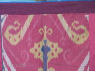 This is an old uzbek ikat with all natural colors