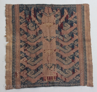 """Indonesia textile cloth """"Tampan"""" from Kalianda or Putihdo Lampung, Sumatera. cotton. Size : 49cm x 48cm. Conditions : Please see on the picture, Free from any repair. 19th century."""