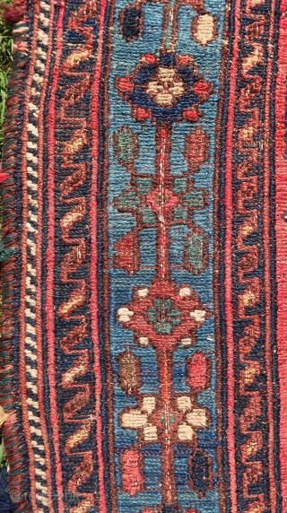 Afshar sumak, sumack, Wool on wool, some cotton. ca; 1900. ca; 140 cm x 110 cm. Cleaned and washed.  Price including worldwide transport. Listening ; Jungle - Time