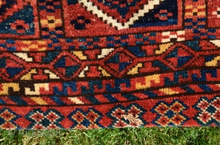 Kyrgyz khorjin, pile face and decorated iilim back, circa 1900. Natural dyes. Complete and in excellent condition.