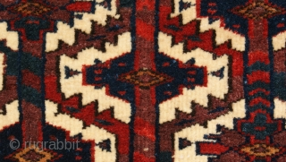 Small Yomut Asmalk Last quarter of the 19th century very good condition and good colors. size 16x28 inch