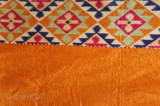 Vari-Da-Bagh From West(Pakistan)Punjab India Called As Vari-Da-Bagh.C.1900. Rare Panch Rangi Side Borders. Floss Silk on Hand Spun Cotton khaddar Cloth. Its size is 134cm x 246cm.(DSL04260).