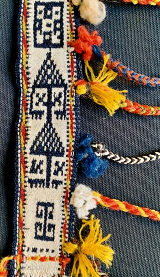excellent quality of the 1880 circa QASHQAI horse neck-band in very good condition,the white color all in cotton•••size85x5cm
