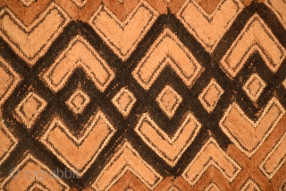 """African Kuba-Shoowa prestige cloth, size 21"""" x 22"""", excellent condition, no damage, no surface wear, no stains, professionally mounted."""