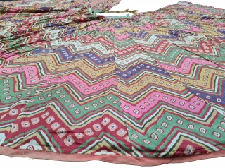 A Very Rare Lahariya (Wave) Design Manchester Print, Tie and Dyemultiple coloursGhaghra (Skirt) Muslin Cotton, From Manchester England, For the Indian Market. India. c.1850-1870. Its size is L-78cm, Circle about 1460 cm(20210225_170104).