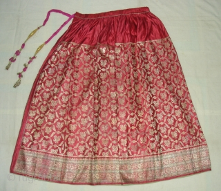 Khinkhab Ghaghra(Skirt),Real Zari Gold threads weaving on the silk,From Jamnagar,Gujarat, India. C.1900.The word Khinkhab, derived from the Persia,Mean's woven flower.Its size is 90cmX210cm. Good Condition(DSC06848).