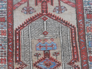 191 x 105 cm.