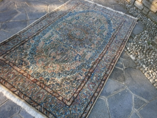 ORIENTAL OLD PERSIAN CARPET.