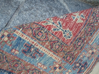 A rare pair of antique Azeri Persian carpets in very good conditin. Natural dyes for these 2 rugs. The sizes are upon the last photo. More pictures or info on request.  REGARDS  ...