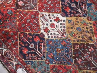 Oriental antique carpet knotted in the Chahar-Mahal-va-Bachtyari. It is an armenibaff  Bachtyar. Very good condition. All natural  dyes, full pile. Only the two ends have not been fixed. NO holes, or stains or  ...